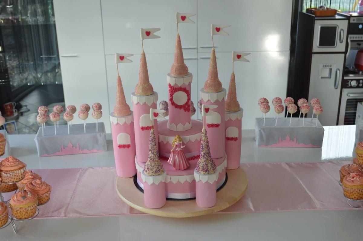 Gateau anniversaire chateau de princesse calais - Gateau anniversaire princesse facile ...